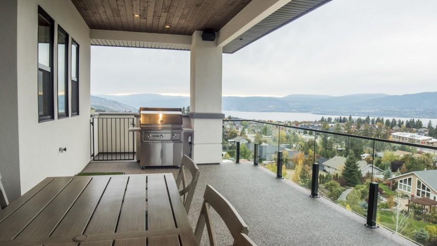 The Vistas - Lake View Home