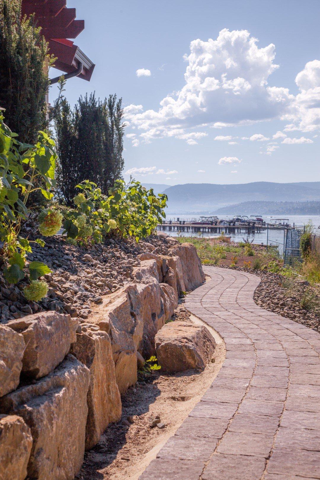 Lakeshore at Manteo Kelowna (12)