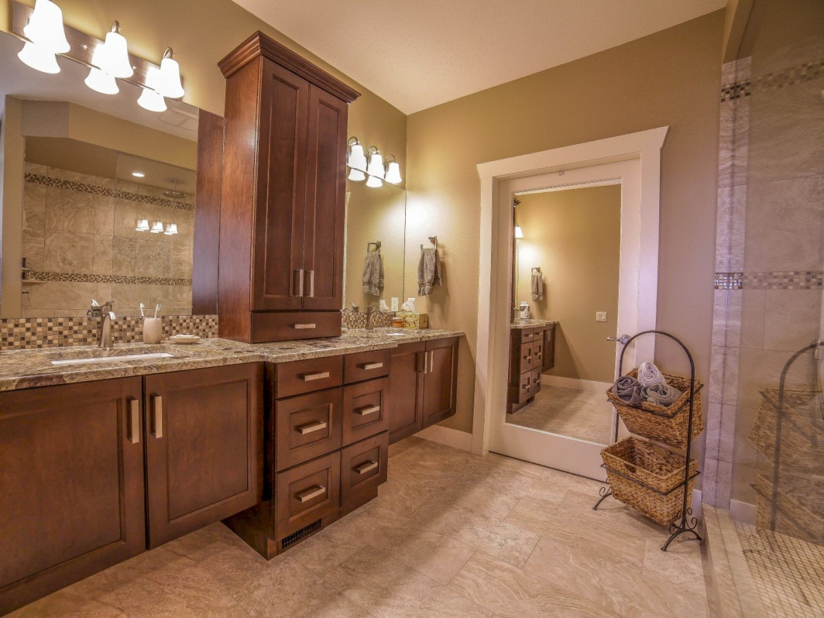 Large brown bathroom