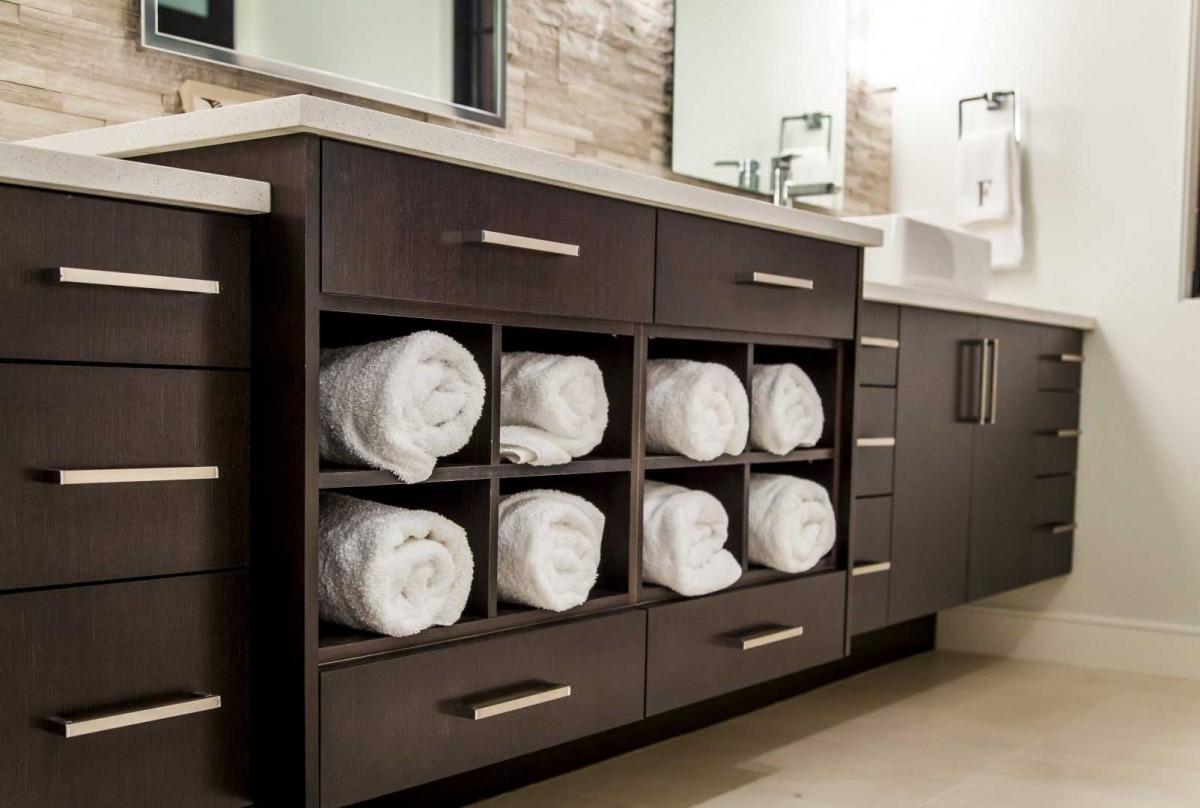 Modern Home Bathroom Storage