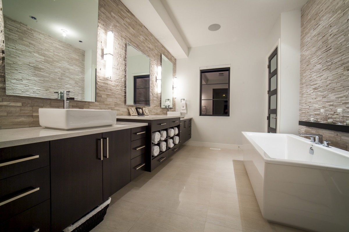 Modern Home Bathroom
