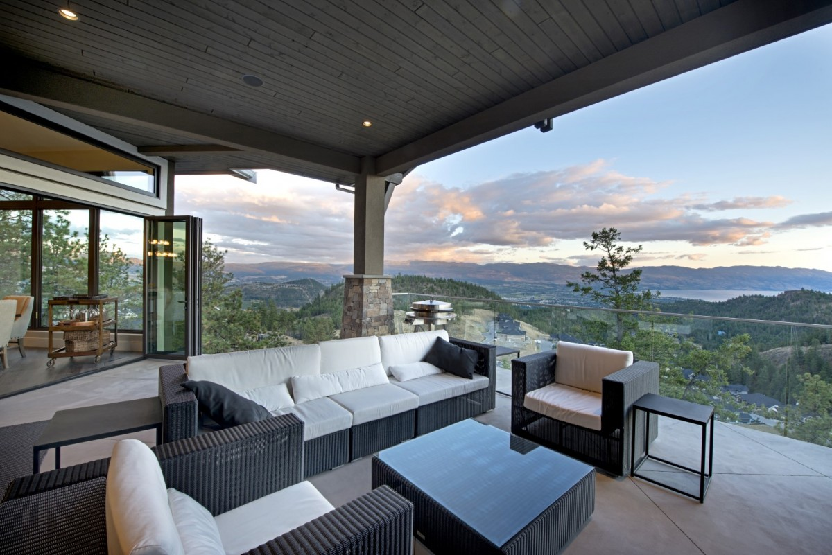 Outdoor living on the deck