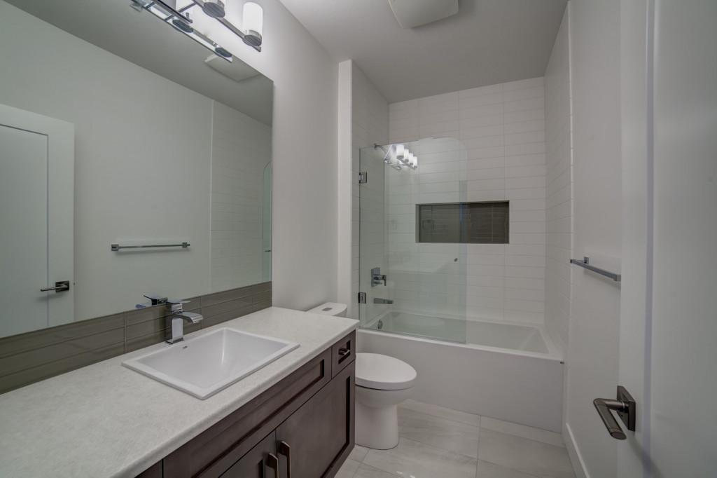 Custom home builder portfolio kelowna construction for Show home bathrooms